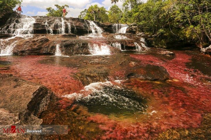 زیباترین رودخانه رنگین کمانی جهان