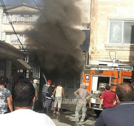 آتش سوزی انبار کفش در آستارا